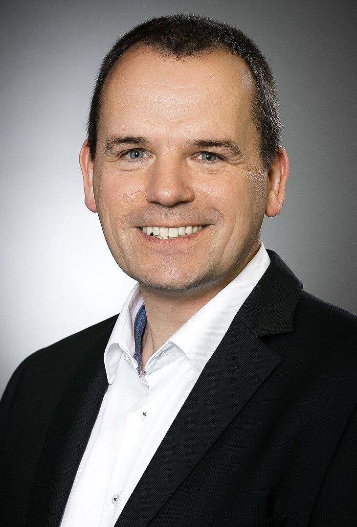 Dr. Hansjörg Hoppe